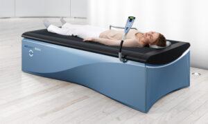 Hydrorelaxatie door middel van een droog water massage bed.